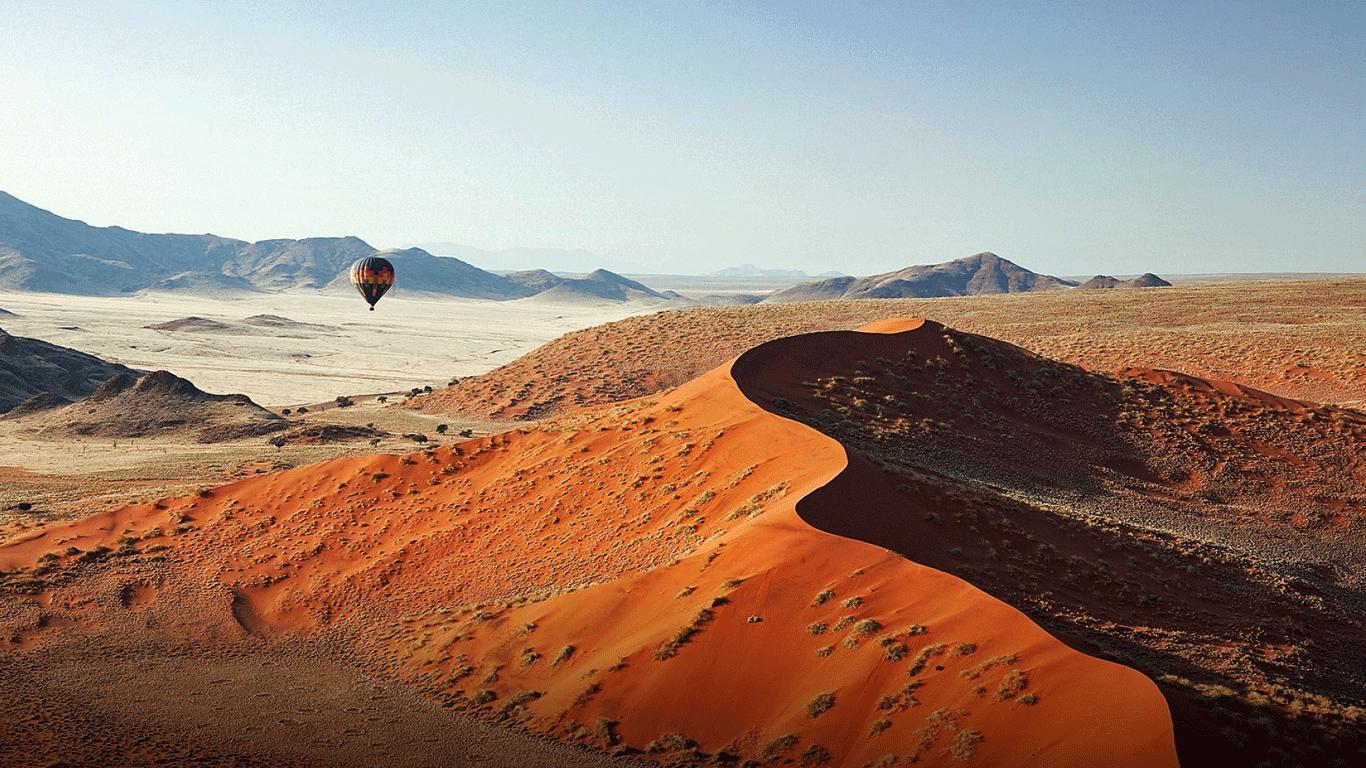'Sossusvlei hot-air balloon'